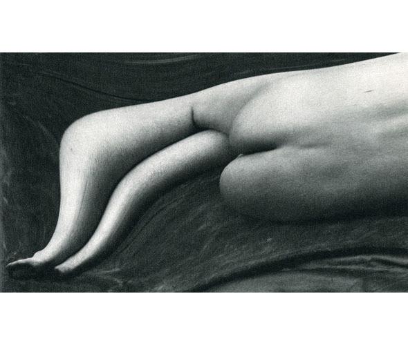 Части тела: Обнаженные женщины на винтажных фотографиях. Изображение № 88.