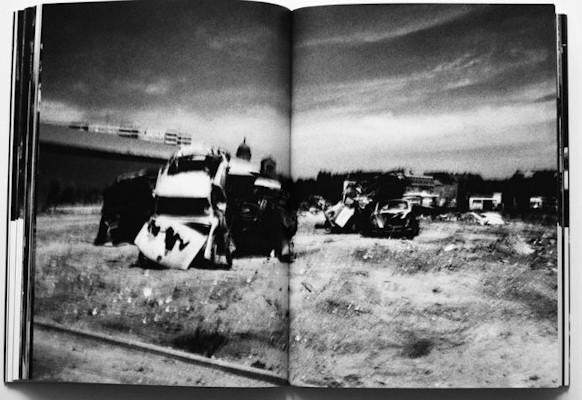 10 альбомов о современном Берлине: Бунт молодежи, панки и знаменитости. Изображение №113.