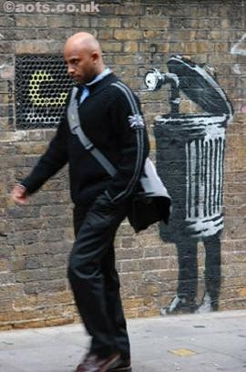 Изображение 17. Бэнкси снял фильм про уличное искусство.. Изображение № 17.