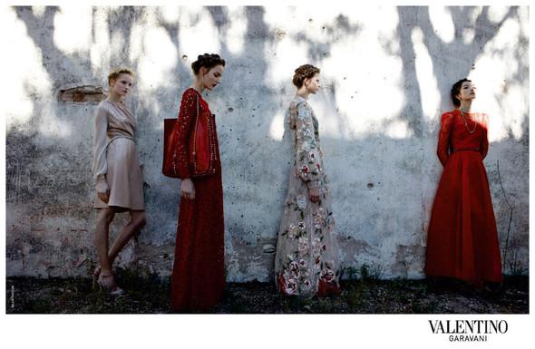 Кампания: Valentino SS 2012. Изображение № 1.