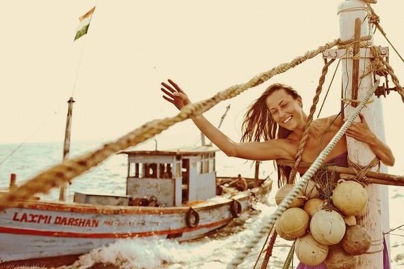 Shrimp boat MFR 646 DF GOA - Non stop. Изображение № 48.