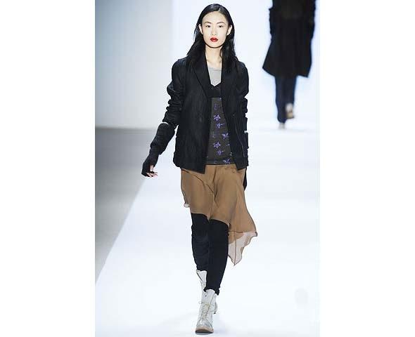 Неделя моды в Нью-Йорке: первые показы. Изображение № 72.