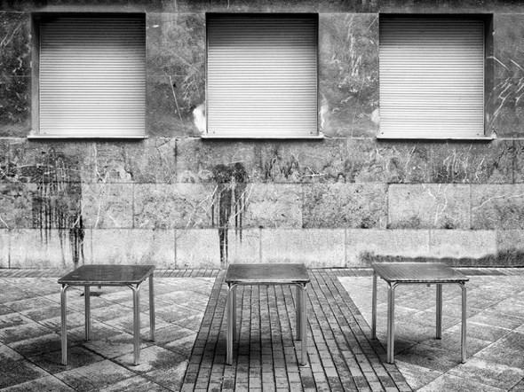Тонкие и наблюдательные фотозаметки о повседневной жизни. Изображение № 9.