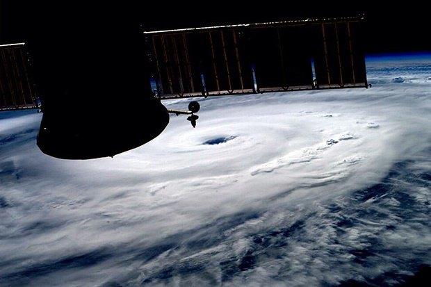 Снимок с МКС авторства космонавта Рейда Вайсмана. Изображение № 27.