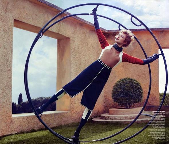 Новые съемки: Vogue, Nylon и другие. Изображение № 17.