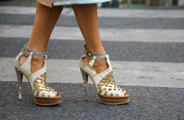 Street Style: Paris Fashion Week. Изображение № 6.