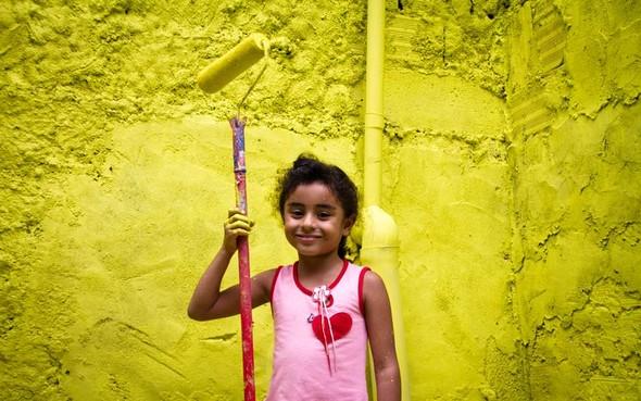 'Свет в переулках' граффити в фавелах. Изображение № 9.