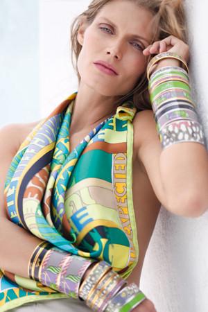 Мальгося Бела в рекламной кампании кастомайзинга платков Hermes. Изображение № 1.