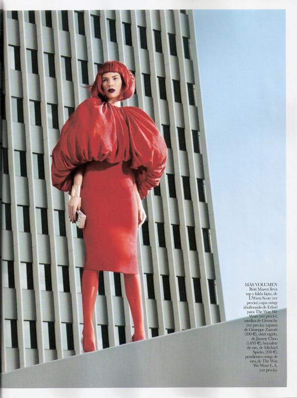 Съёмка: Бритт Марен для испанского Vogue. Изображение № 1.