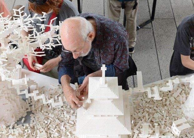 10 архитектурных бюро собрали модели зданий из белого LEGO. Изображение № 10.