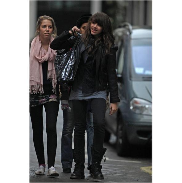 Мадонна создает одежду вместе с дочерью. Изображение № 3.