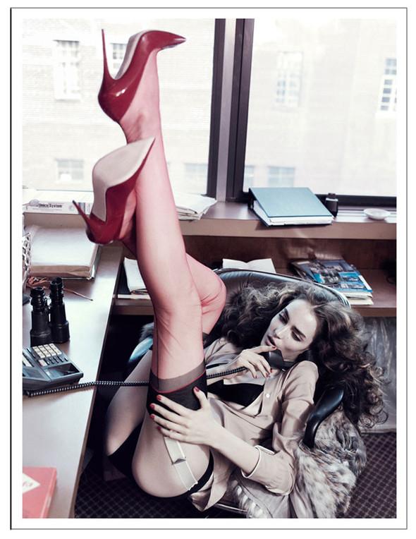 Новые съемки: Vogue, 25 Magazine, Exit. Изображение № 68.