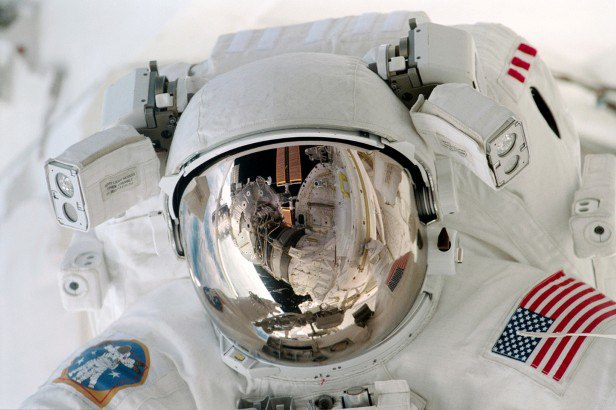 NASA представила реалистичные фото в стиле «Гравитации». Изображение № 9.