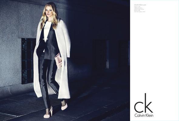 Рекламные кампании Calvin Klein Осень-Зима 2012. Изображение № 1.