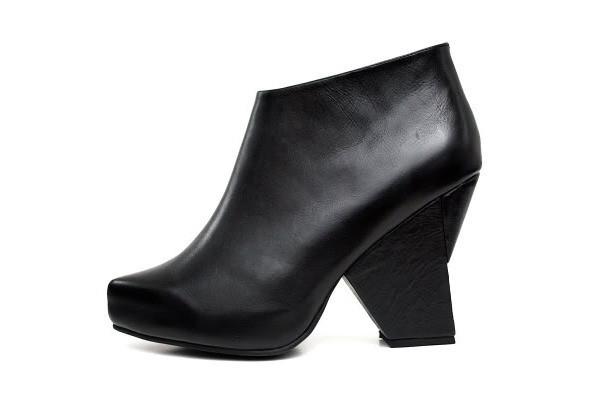 Лукбуки: обувь. Изображение № 30.
