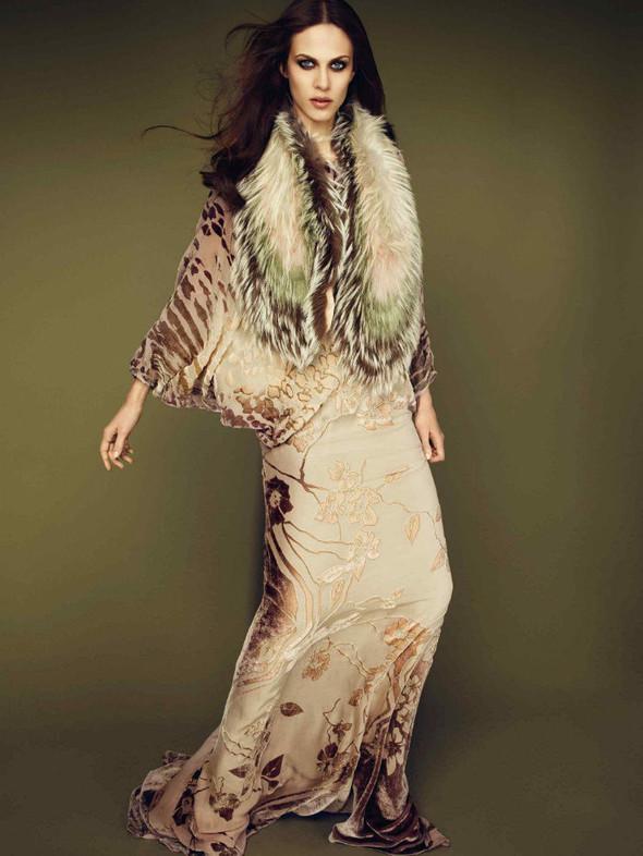 Лукбук: Эмелин Валад и Ольга Шерер для Roberto Cavalli FW 2011. Изображение № 10.