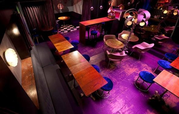 Под стойку: 15 лучших интерьеров баров в 2011 году. Изображение № 117.