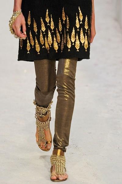 Детали с показа Chanel Pre-Fall 2012. Изображение № 20.