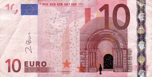 Художник в знак протеста изрисовал банкноты на 3555 евро. Изображение № 36.