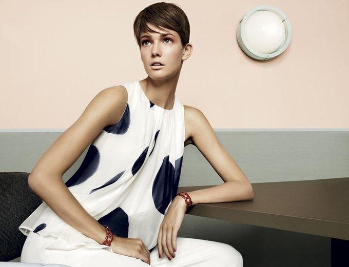 Max Mara, Prada и другие марки выпустили новые кампании. Изображение № 59.