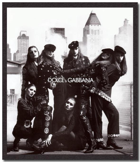 Архивная съёмка: Кейт Мосс, Тайра Бэнкс и другие для Dolce & Gabbana FW 1992. Изображение № 3.