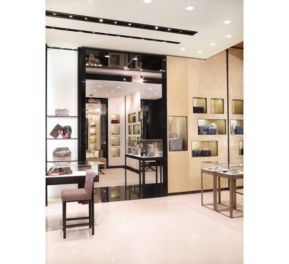 Новые магазины: Louis Vuitton в Риме, Chanel в Москве и Celine в Нью-Йорке. Изображение № 26.