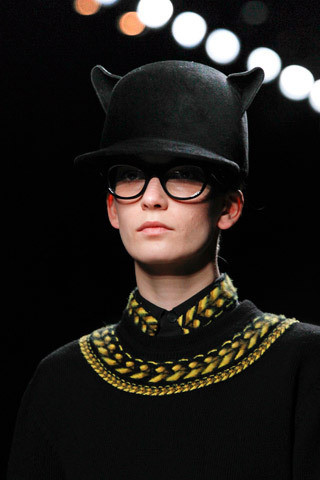 Givenchy FW 2011. Изображение № 30.