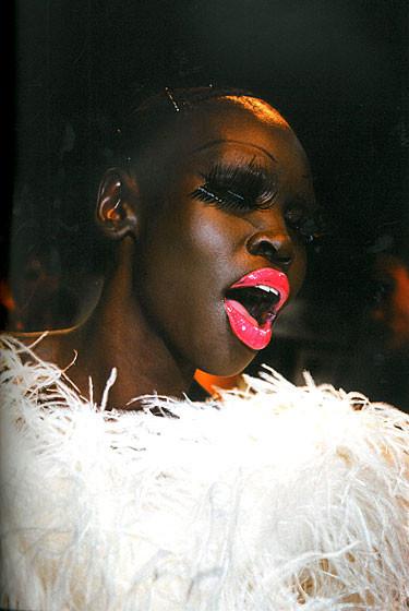 Роксанна Лоуит: за кулисами Dior. Изображение № 7.