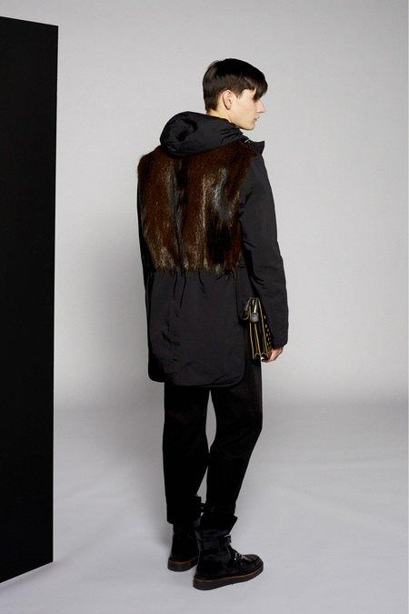 Marni и Marc Jacobs выпустили новые лукбуки. Изображение № 16.