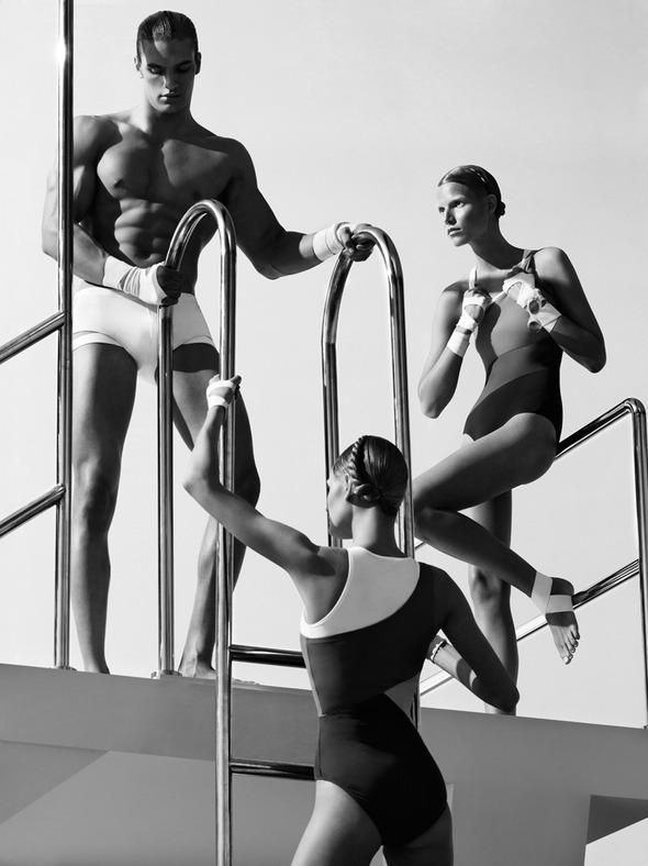 Быстрее, выше, сильнее: Модные съемки, вдохновленные спортом. Изображение №112.