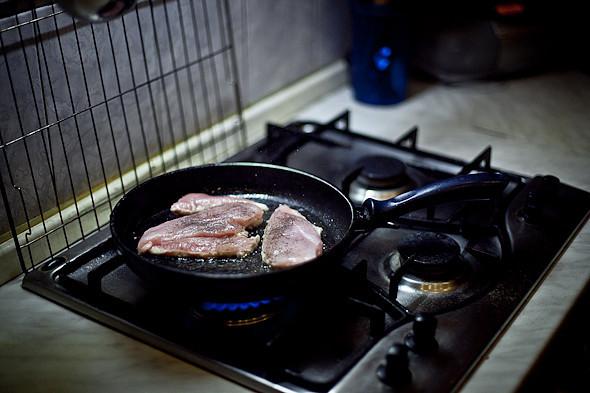 Быстро и вкусно: Сандвичи, хот-дог и три брускетты. Изображение № 29.