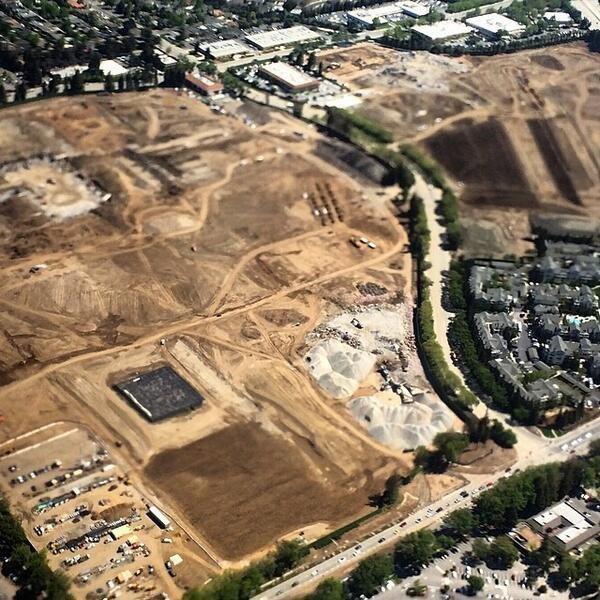 Репортёр показал стройку кампуса Apple с высоты птичьего полёта . Изображение № 8.