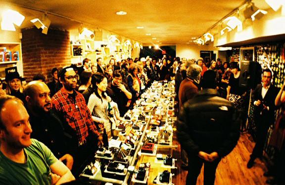 Галерея-магазин Ломографии вНью-Йорке. Изображение № 10.