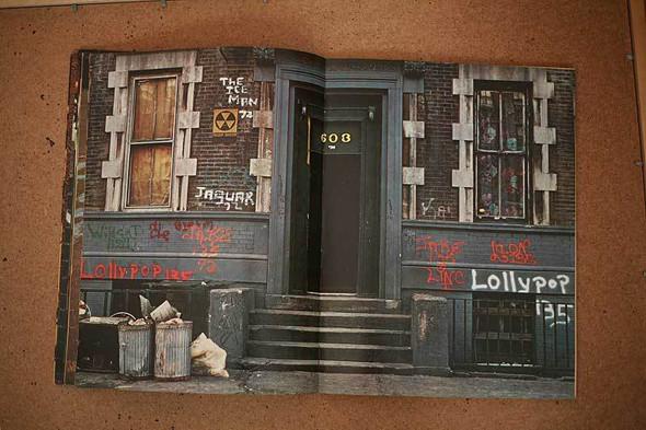 Не ждали: 8 альбомов о стрит-арте. Изображение № 55.