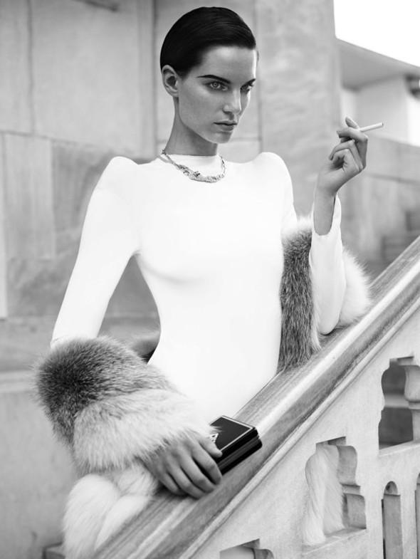 Съемка: Белая Ирис в Vogue Germany October 2011. Изображение № 2.
