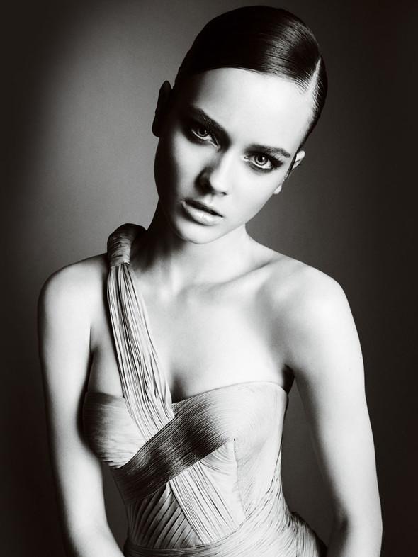 Atelier Versace FW 2010. Изображение № 4.