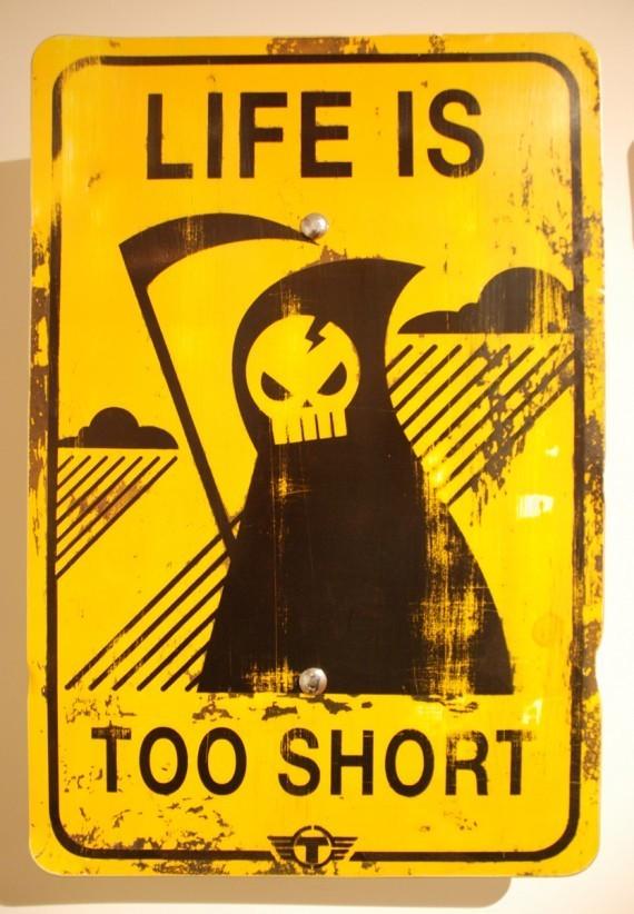 Новая мода стрит-арта: поддельные дорожные знаки. Изображение № 6.