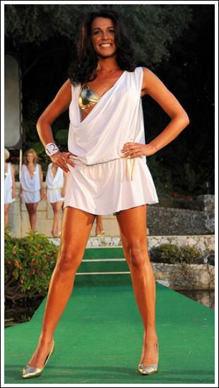 Самая красивая девушка живет в Гибралтаре. Изображение № 6.
