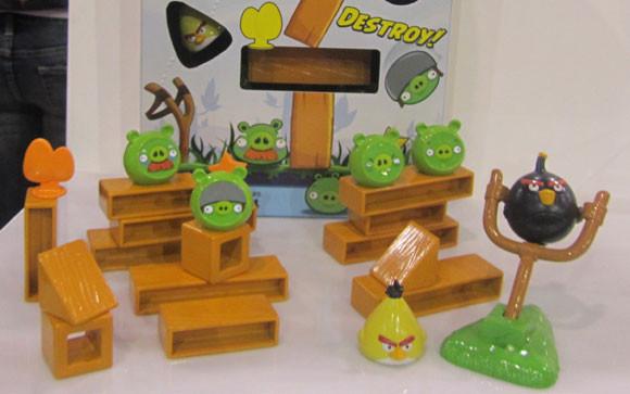 Angry Birds в офлайне: 20 живых примеров. Изображение № 19.