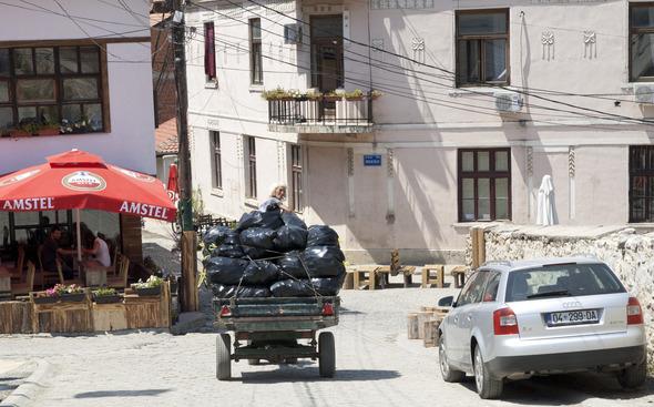 По городам Косова и других балканских стран.. Изображение № 8.