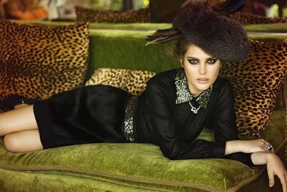 Vogue Italia October 2009. Изображение № 1.