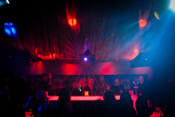 Диджей-скрипач Roberto Mermand в ресторане partybar Мантра. Изображение № 1.