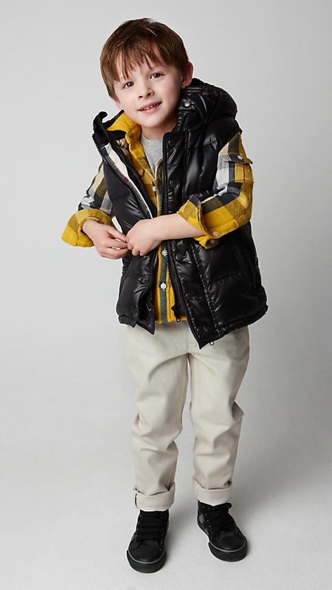Все лучшее детям: лукбуки D&G, Gucci, John Galliano, Burberry. Изображение № 23.