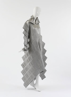 Изображение 3. Иссей Мияке. Мода на инновации.. Изображение № 11.