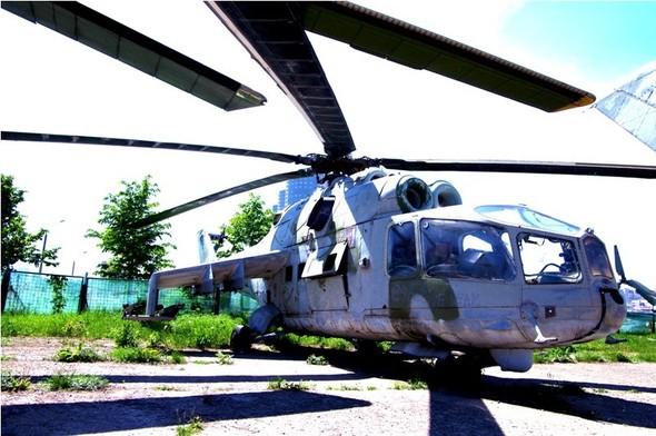 Сто рублей охраннику кладбища советской авиации. Изображение № 18.