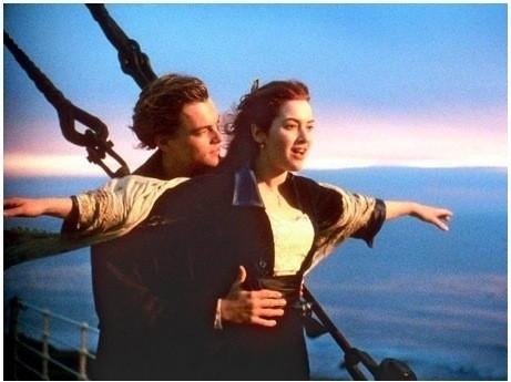 Знаменитый кадр из фильма «Титаник» Джеймса Кэмерона, 1997 г.. Изображение № 54.