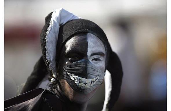 Мексиканцы прошлись юмором по«свиному гриппу». Изображение № 2.