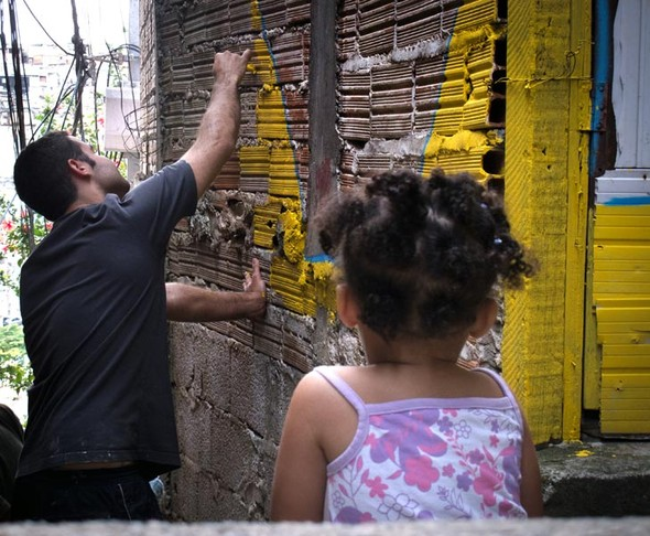 'Свет в переулках' граффити в фавелах. Изображение № 3.