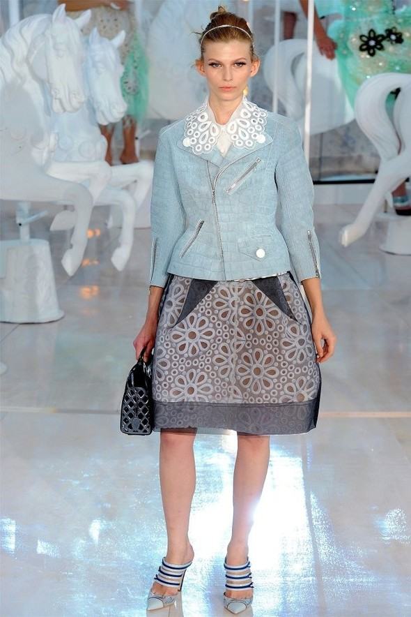 Неделя моды в Париже: Louis Vuitton весна 2012. Изображение № 25.