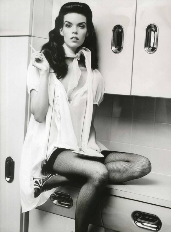 Съёмка: Меган Коллисон для российского Vogue. Изображение № 9.